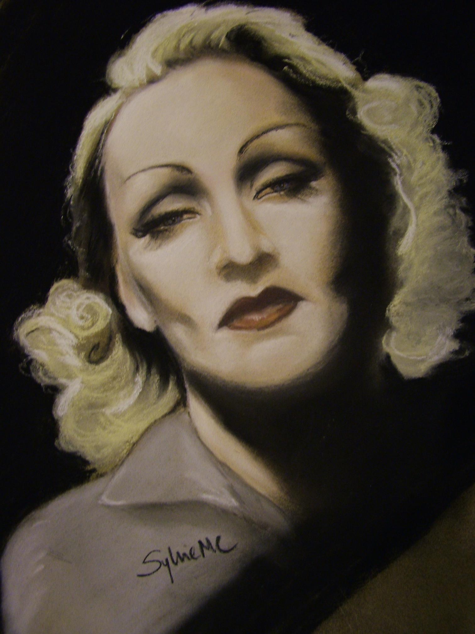 Marlene Dietrich - Gallery Photo